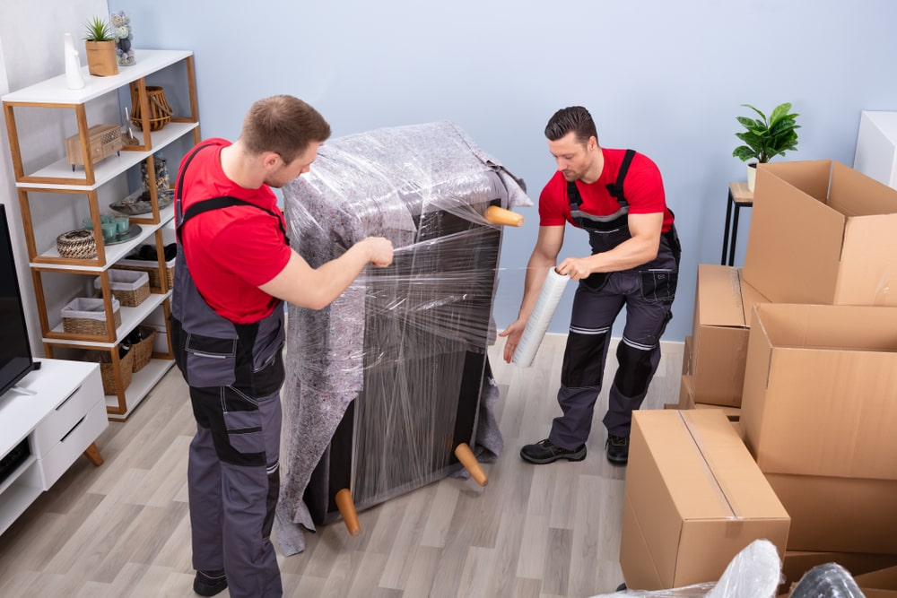 Advantages of hiring movers
